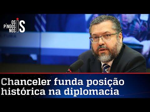 Ernesto Araújo faz excelente discurso em defesa da liberdade